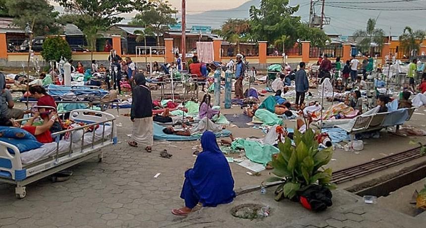Sube a 832 la cantidad de muertos por el terremoto y el tsunami