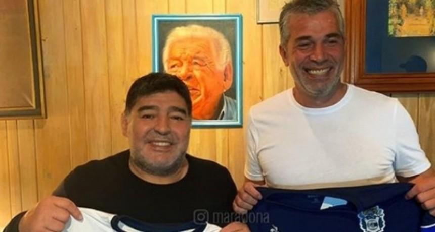 El fenómeno Maradona en la visión de una comentarista deportiva