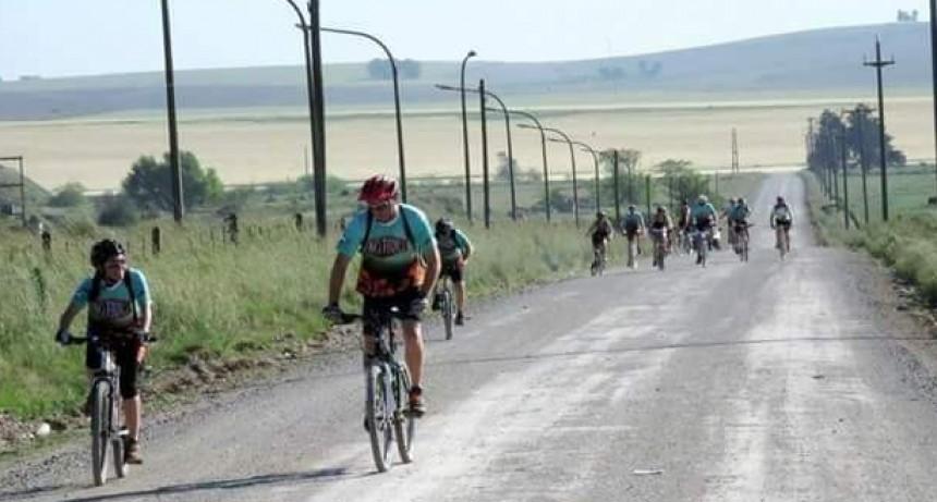 Anuncian cicloturismo con destino a Huecufu-Hum