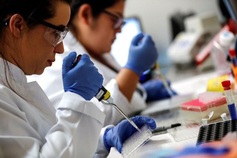 El gobierno norteamericano pidió a los 50 estados que se preparen para aplicar la vacuna contra el coronavirus en noviembre