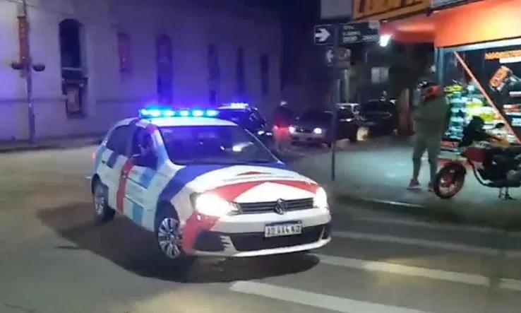 El intendente sancionó a policías por usar un móvil municipal en la protesta