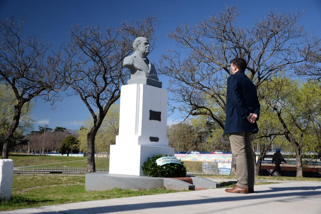 Galli homenajeó a Sarmiento en el 132º aniversario de su fallecimiento