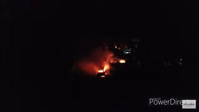 Unos 15 autos se quemaron en un desarmadero