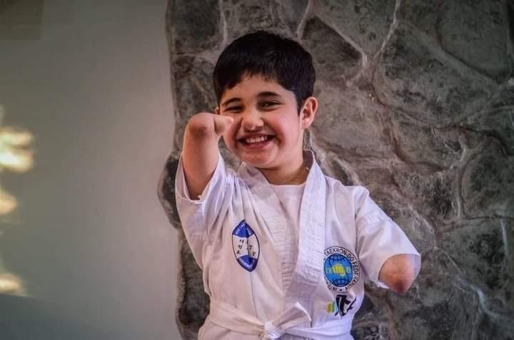 Dictan clases integradoras de taekwondo