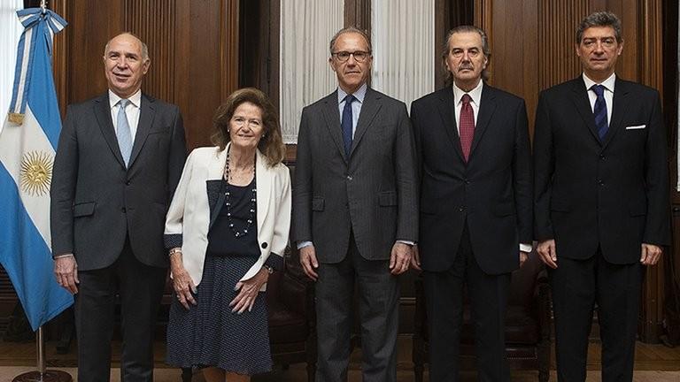 La Corte Suprema abrió el per saltum y prohibió, por el momento, reemplazar a los jueces que investigaron a Cristina Kirchner