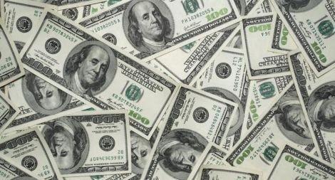 Más trabas al dólar: los empleados que cobraron parte de su sueldo por el ATP no podrán comprar los USD 200 mensuales