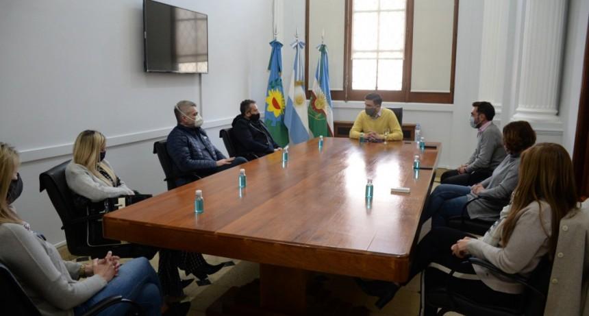 Conectividad y convenio por cobro de tasas, fueron temas de reunión entre la Municipalidad y la UIO