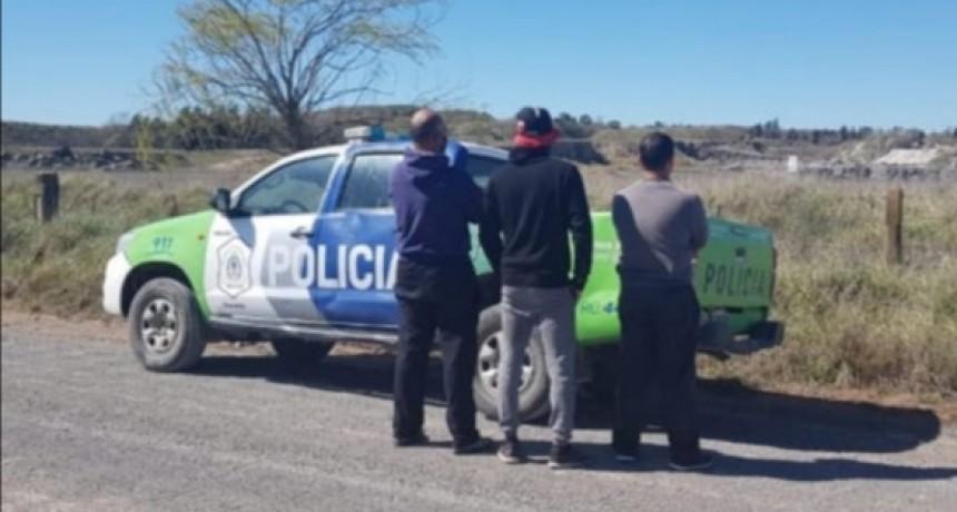 Atraparon a tres hombres pescando sin licencia