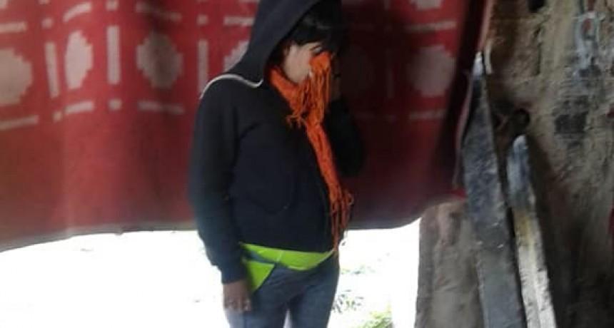 La concejal Almada hizo pública la situación de calle de una mujer y sus hijos