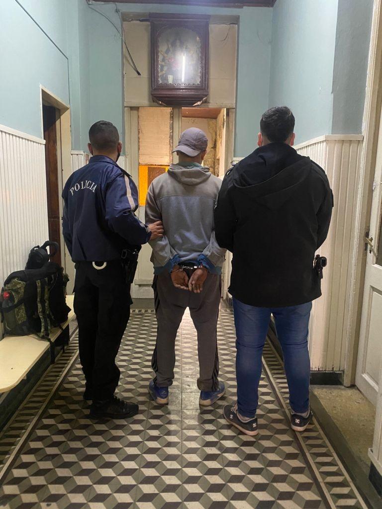 Un detenido en causa por violencia familiar