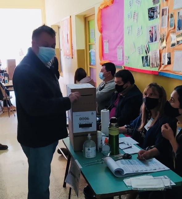 Votó Alejandro Cellillo en General Alvear