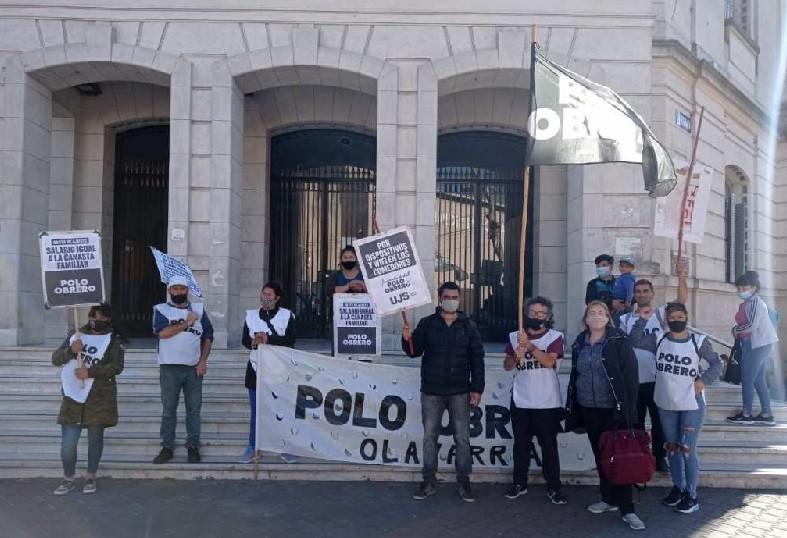 El Polo Obrero entregó petitorio en el Municipio