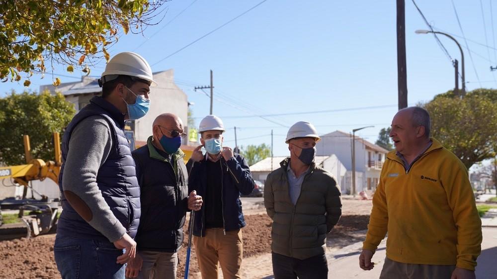 Comenzó la obra de repavimentación en barrio Luján