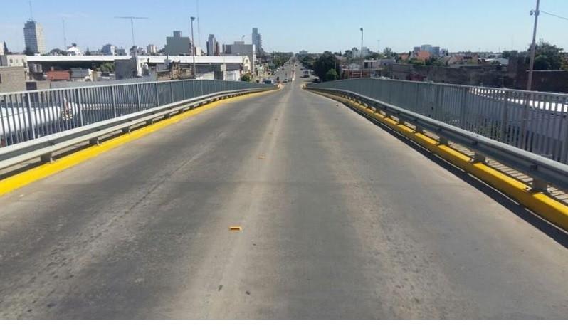 Puente de la Avda. Colón:' Es el momento de ponerle un nombre'
