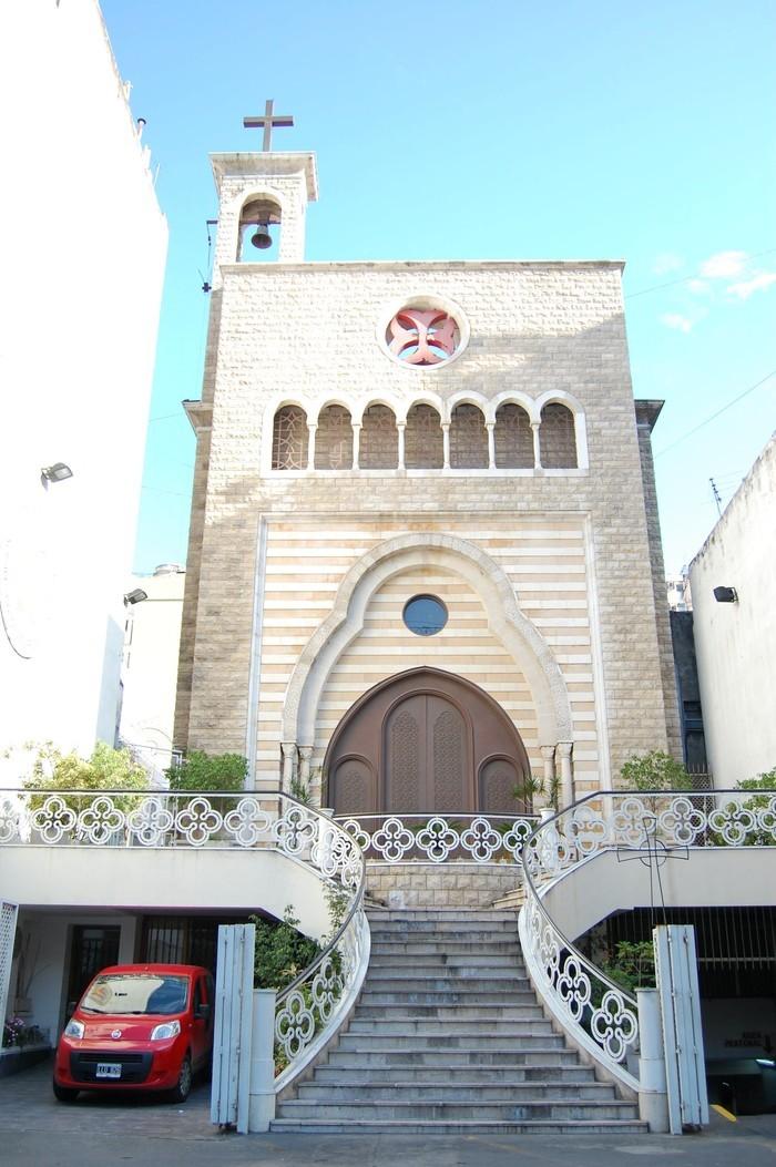 Libaneses de Olavarría repudian vandalismo en la Catedral Maronita de CABA