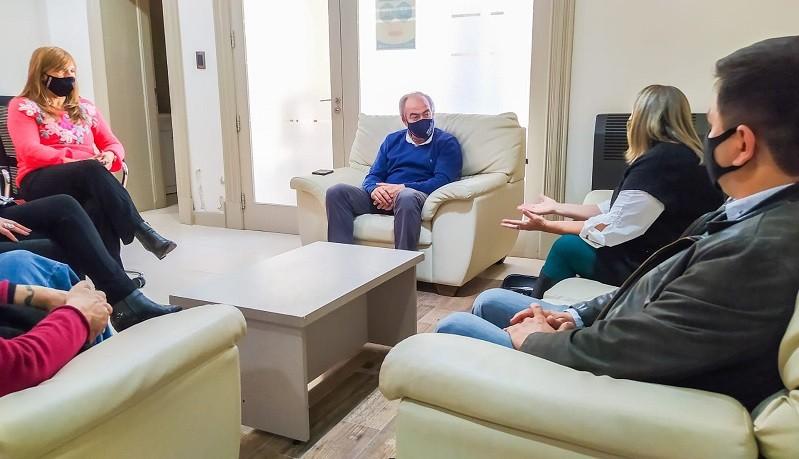 Tapalqué: El Intendente mantuvo una reunión con autoridades educativas