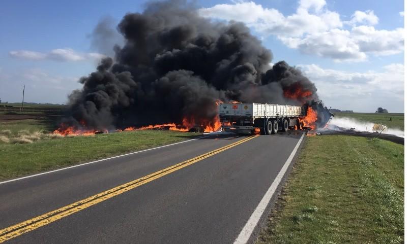 Choque fatal de dos camiones en ruta 205 kilómetro 240