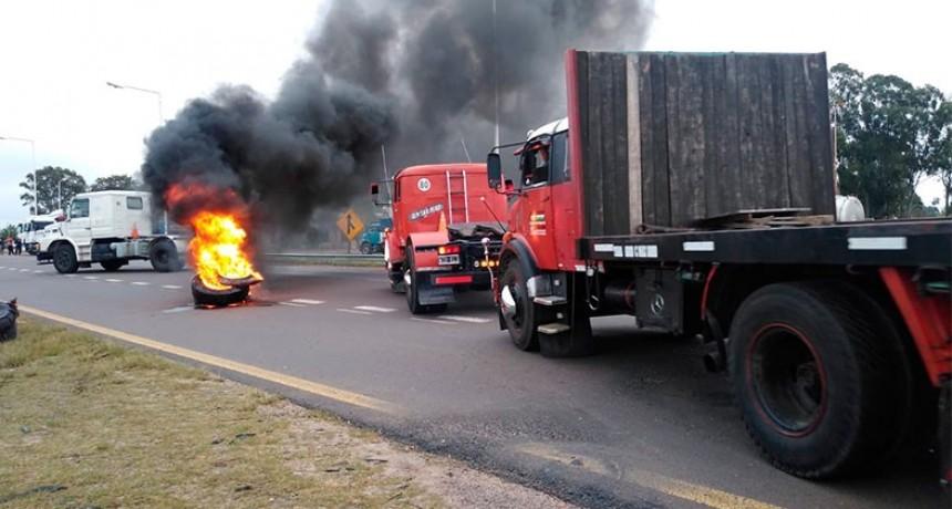 Transporte de Cargas de Entre Ríos realiza corte por protestas
