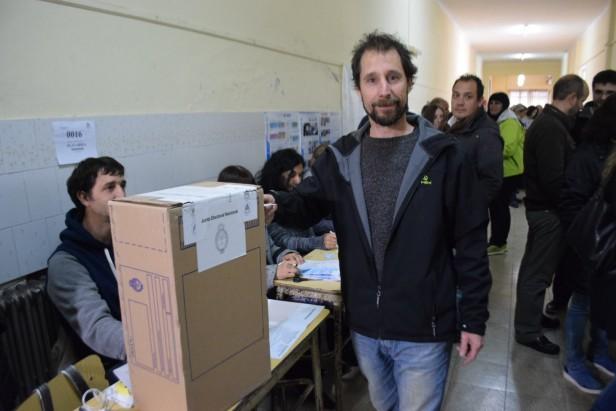 Carlos Gil y el voto del FIT