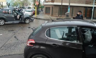 Choque entre dos vehículos