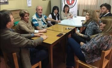 Lordén visitó instituciones y entregó subsidios en Bolívar