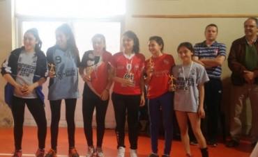 Una alumna de handball barrial en el equipo ideal