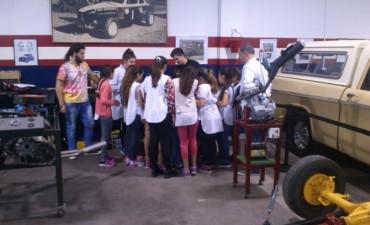 """Se inauguró el taller """"Somos mecánicos por un día"""