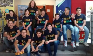 Chicos de Callejeada AOMA en un Congreso sobre Drogas