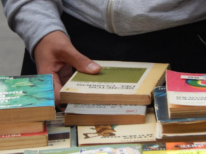 Nueva Feria del Libro Usado en la Biblioteca Primero de Mayo