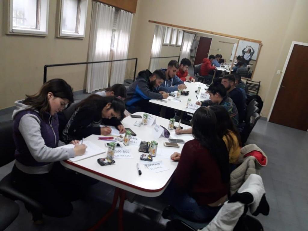 El Municipio acompaña a los jóvenes en el inicio de su vida laboral