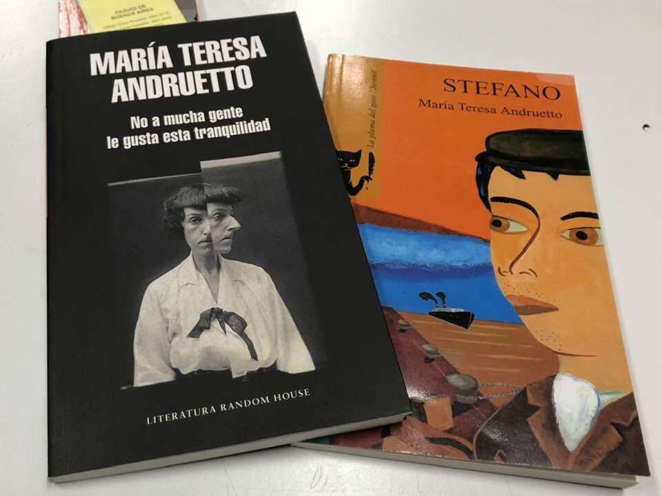 La escritora María Teresa Andruetto en La Biblioteca
