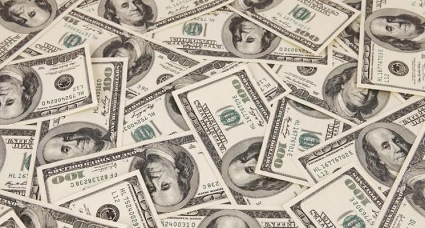 Efecto súper tasa: el dólar se hundió 2,8% a $ 40,76 en el debut de las bandas de flotación