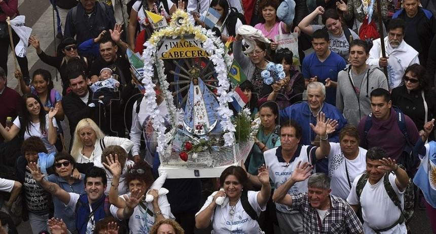 Ante miles de fieles, Poli convocó a la unidad de los argentinos