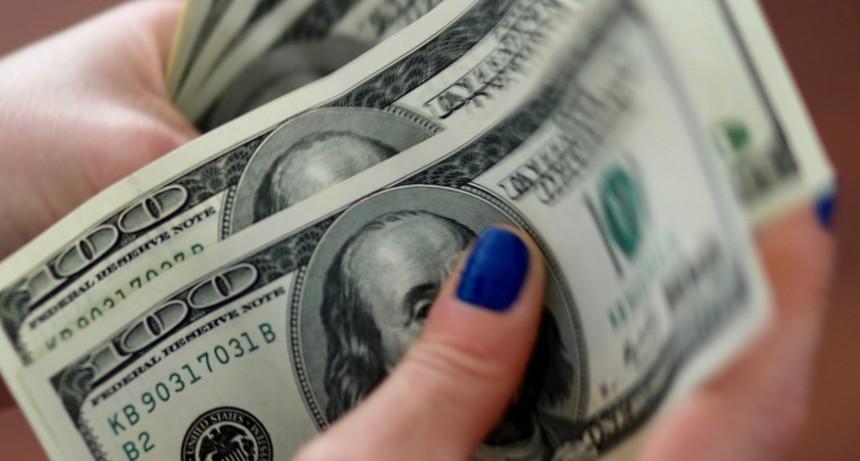 Dólar hoy: así cerró el billete en los principales bancos de la City