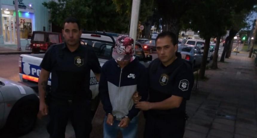 Fue detenido el acusado de balear a una kiosquera