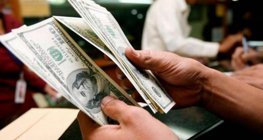 El dólar subió cinco centavos