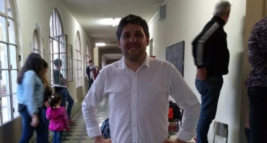 Elecciones internas de la UCR: Francisco González renovó la presidencia del Comité