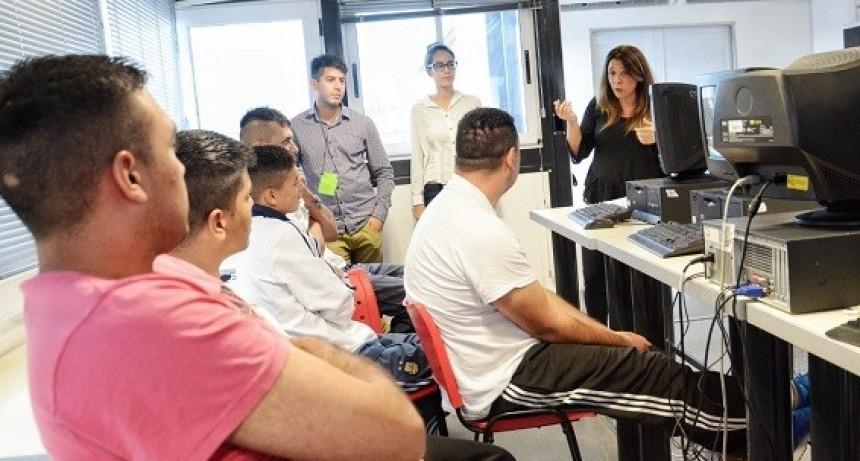 Internos se capacitaron en alfabetización digital en cárceles bonaerenses en el último año