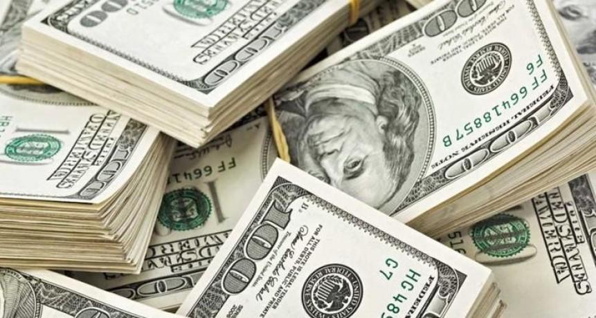 El dólar cayó 9 centavos y cerró a $ 37,76