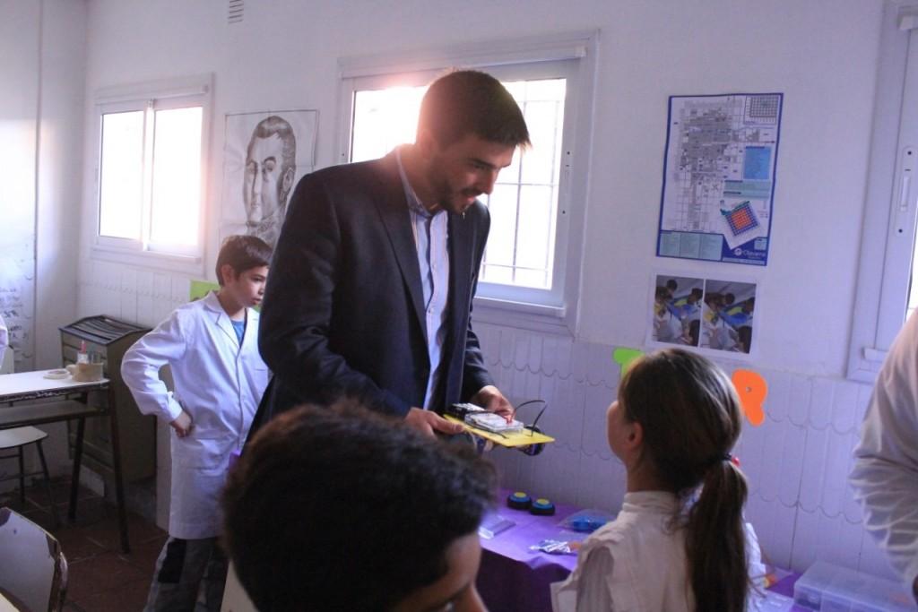 """""""Acá no sólo aprenden a escribir, también aprenden valores y esto nos impulsa a mejorar todas las Escuelas"""""""