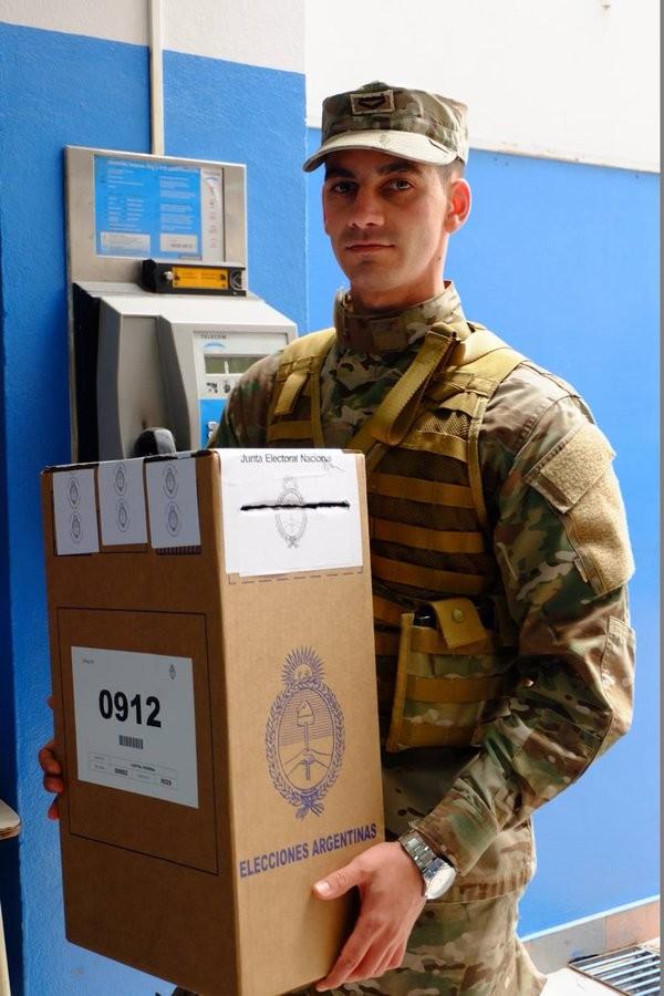 Más de 300 efectivos del Ejército para custodiar el acto electoral