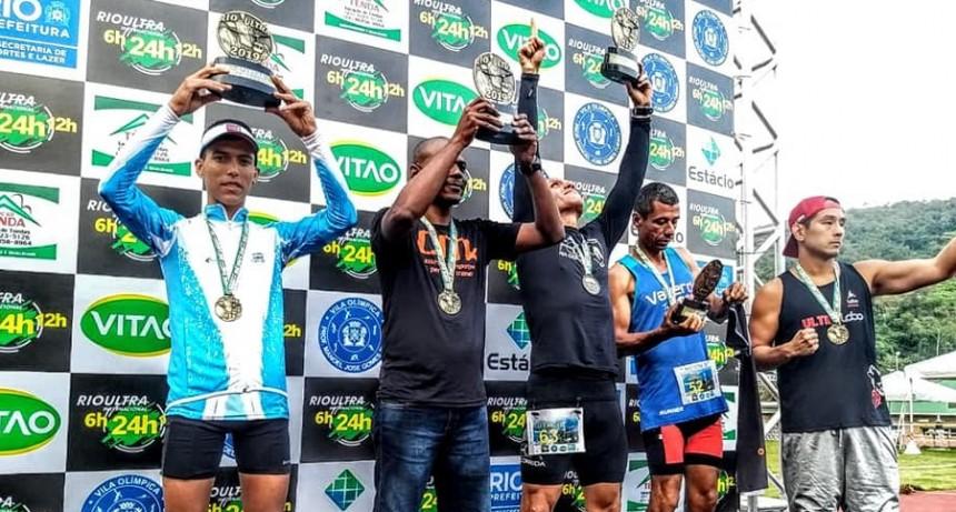 Río de Janeiro: Ultramaratonista olavarriense quedó en medio de un enfrentamiento entre favelas