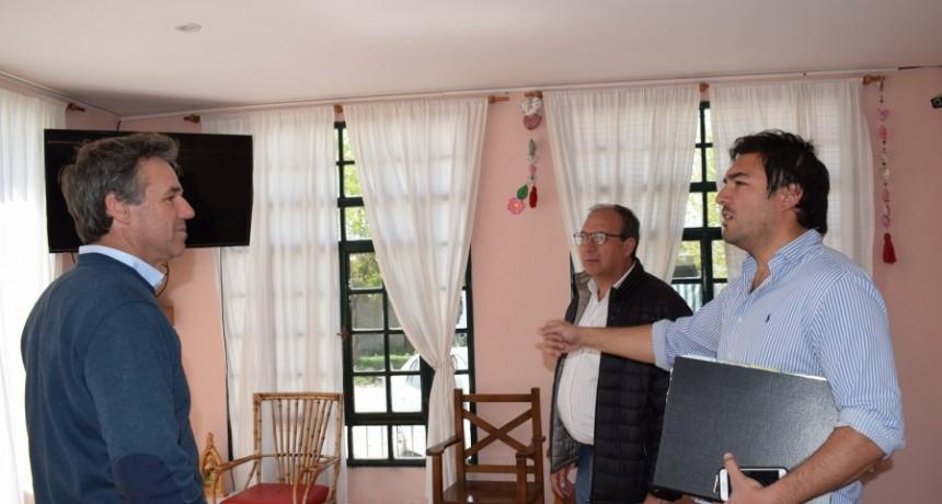 General Alvear: El Intendente Capra y el Director Regional de PAMI visitaron el Hogar de Ancianos