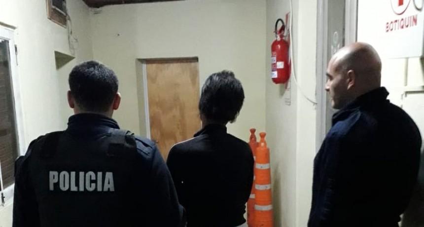 Una mujer aprehendida por herir a un hombre