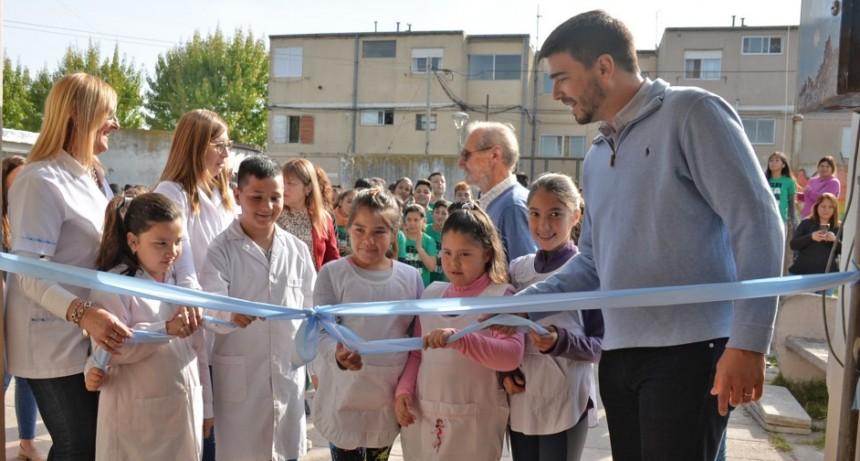"""Inauguraron obras en la Escuela primaria 76 """" Hermanas Pinto"""" del barrio Jardín"""