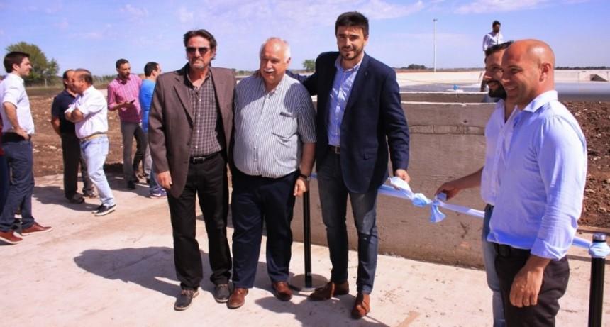 El intendente Galli inauguró la planta depuradora cloacal de Loma Negra