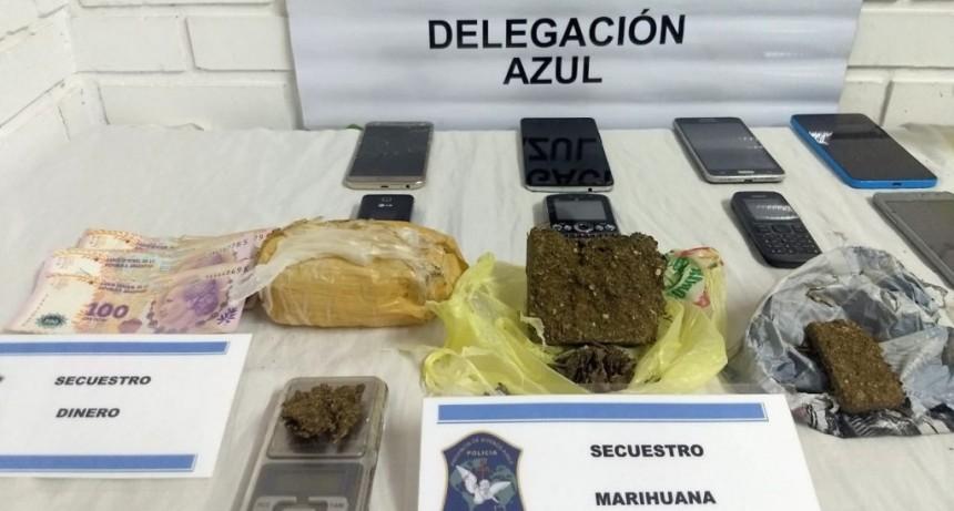 Dos aprehendidos con 100 gramos de marihuana