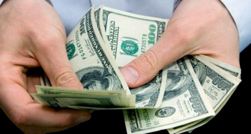 El dólar subió $2,50 y cerró a $65 en el Banco Nación
