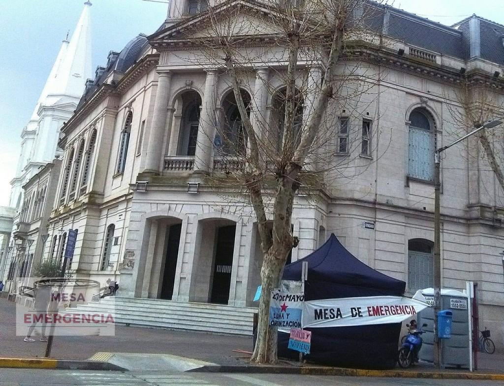 La Mesa de Emergencia 'no se va' del Municipio hasta que no haya 'soluciones concretas'