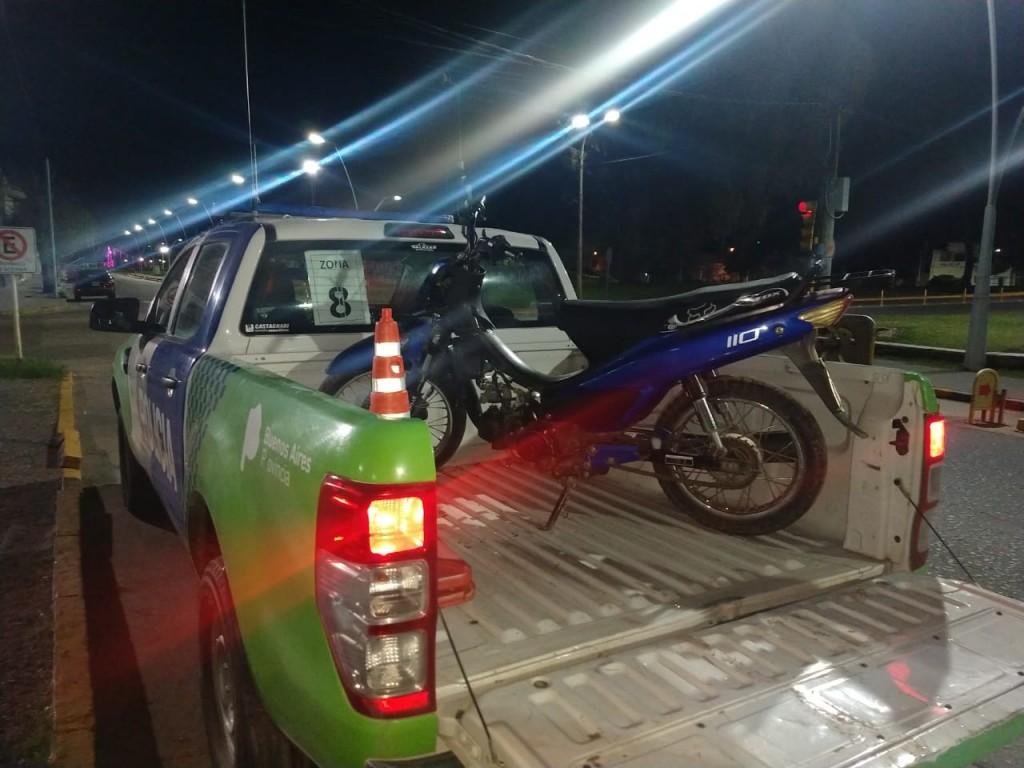 Labran infracciones y secuestran 2 motocicletas